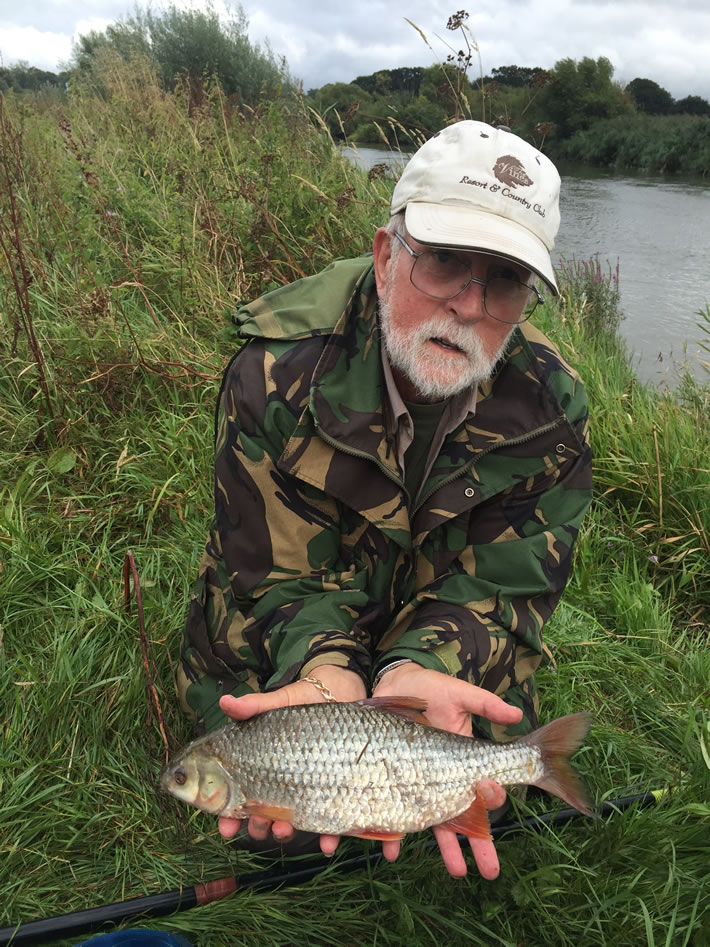 Colin with his best Roach of 2lb 1oz