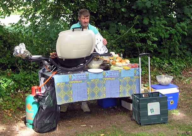 Steve Simmonds again laid on a superb BBQ